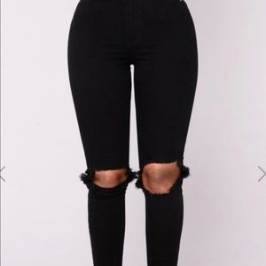 High waisted black knee ripped jeans